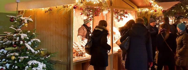 Renate Moser am Weihnachtsmarkt Aarau