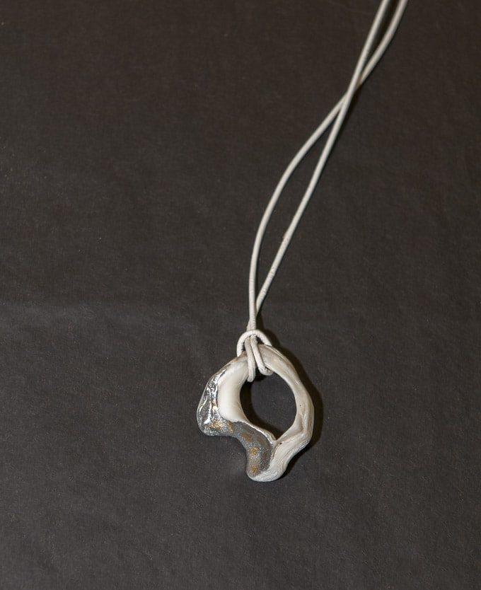 Halskette II von Renate Moser
